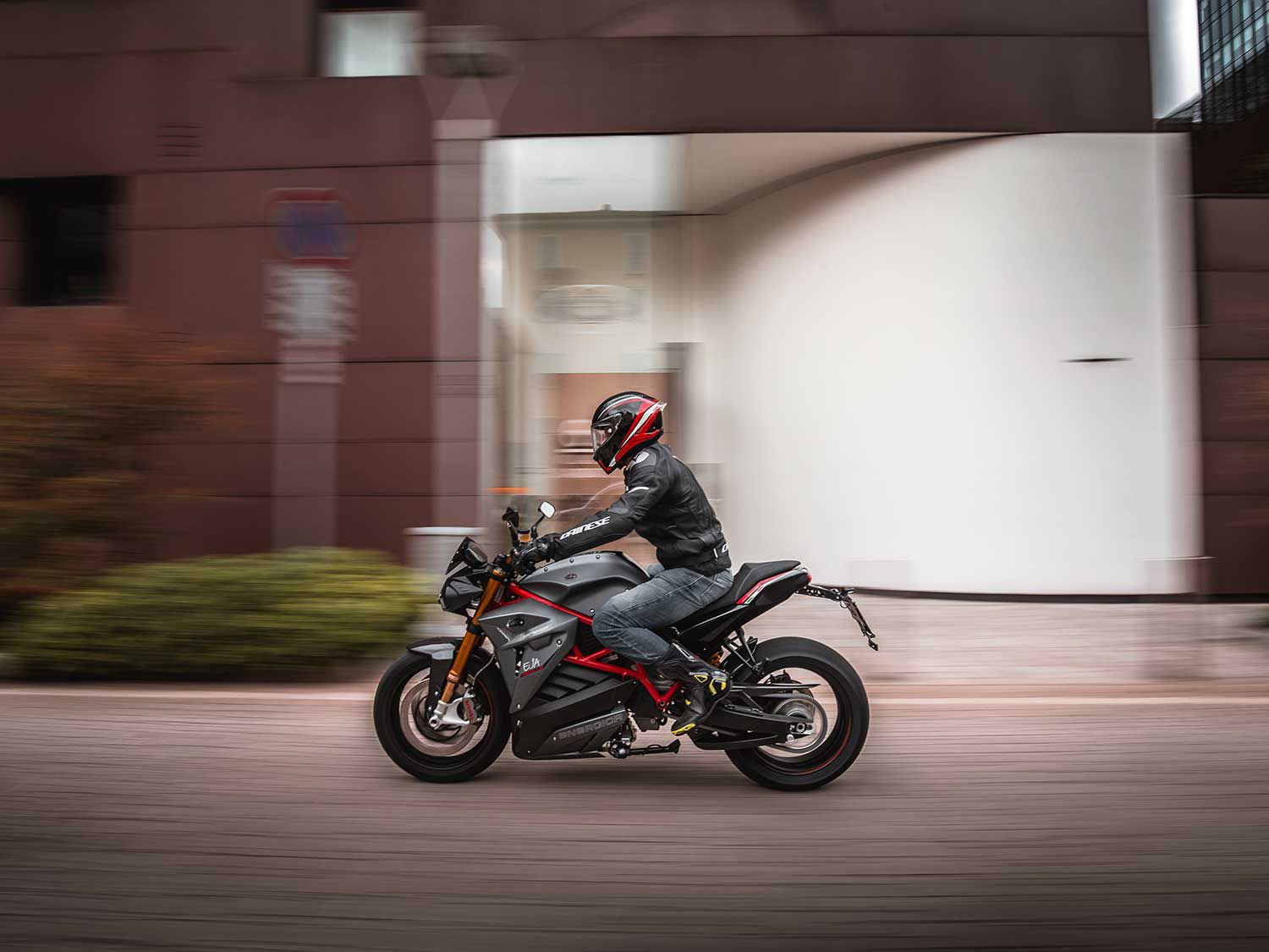 The Eva Ribelle is designed for sport riders looking for a more comfortable motorcycle to ride with its upright riding stance.
