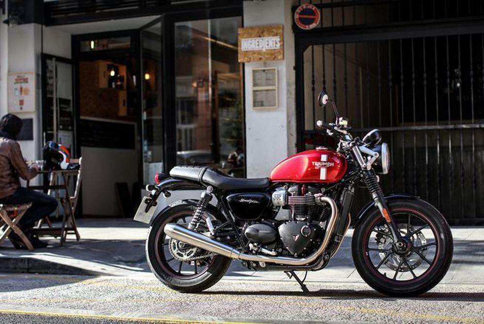 Top Comfort Mods For The Triumph Street Twin | Motorcyclist