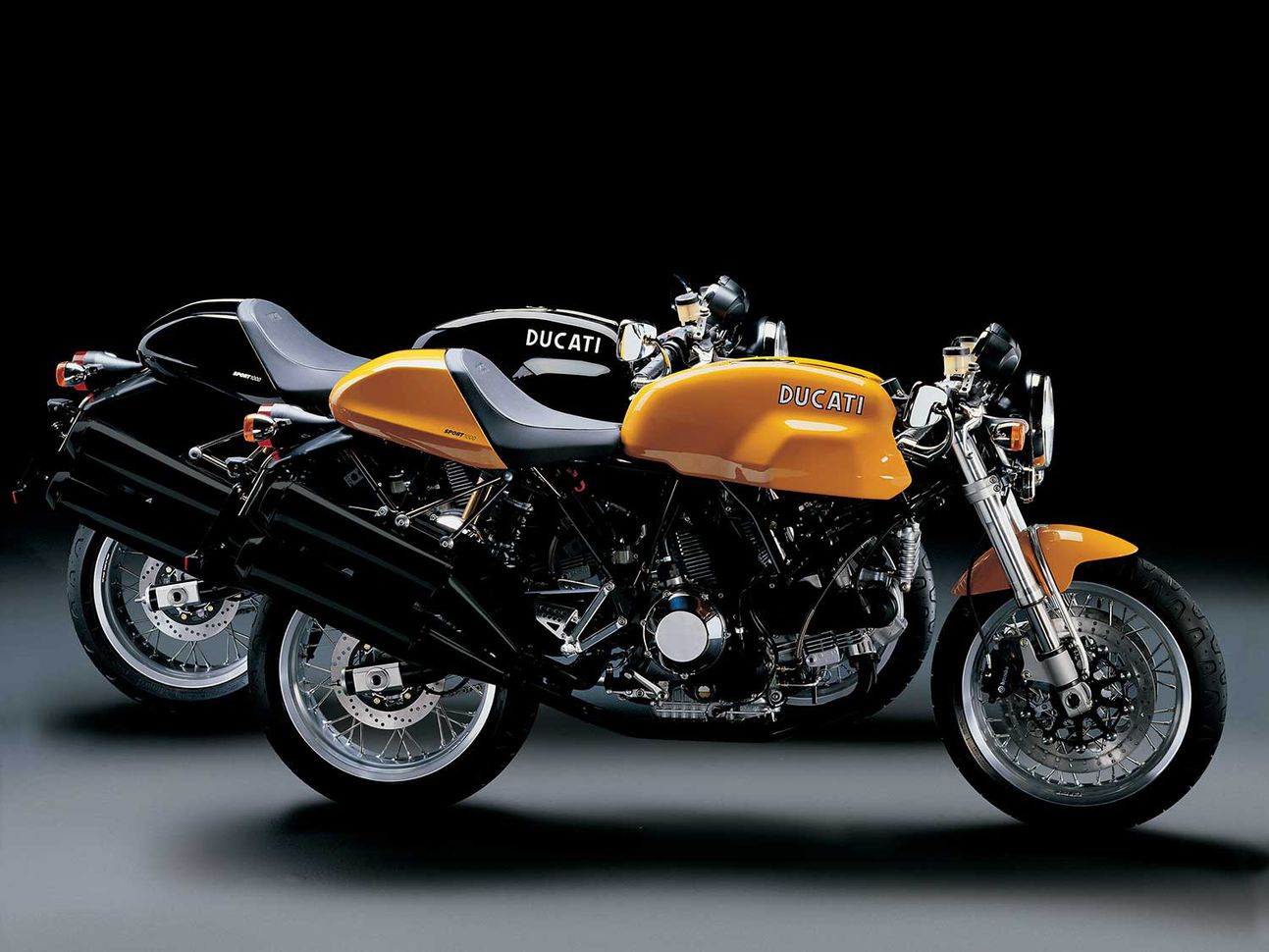Ducati Sport 1000s: all kinds of right.
