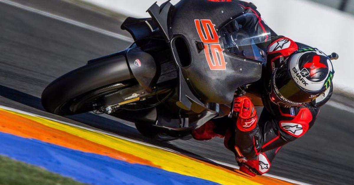 New Shark Race-R Pro Helmet | Motorcyclist