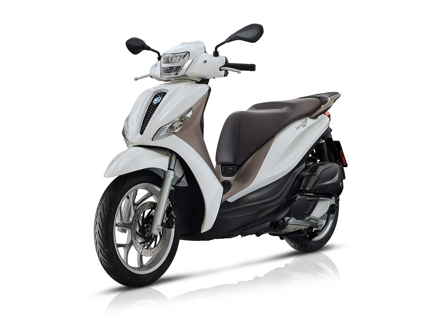 <h2>2020 Piaggio Medley</h2> </br> The 2020 Piaggio Medley is available with either a 125 or 150cc single-cylinder engine.