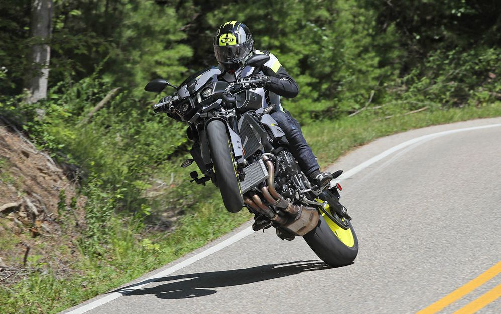 2017 Yamaha FZ-10 First Ride Review | Motorcyclist