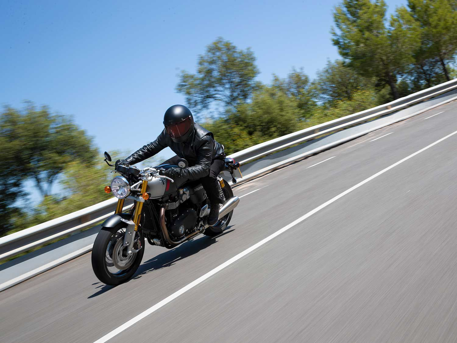 Less weight and higher-spec components improve handling of the Thruxton RS.
