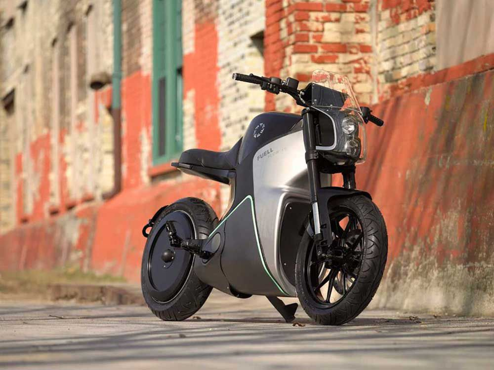 With a rear wheel motor and impressive claimed performance numbers, the Fuel Fllow promises a memorable ride to work.