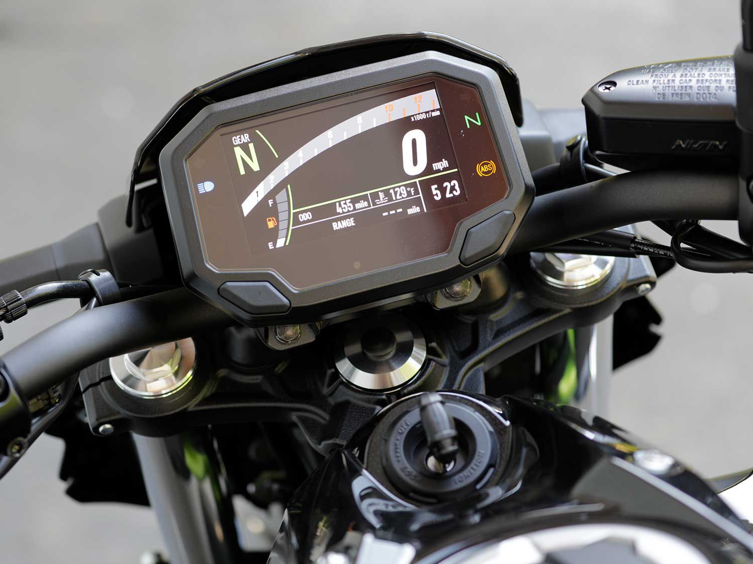 A crisp 4.3-inch color TFT dash graces the Z650 ABS. It's bright and easy to read, day or night.