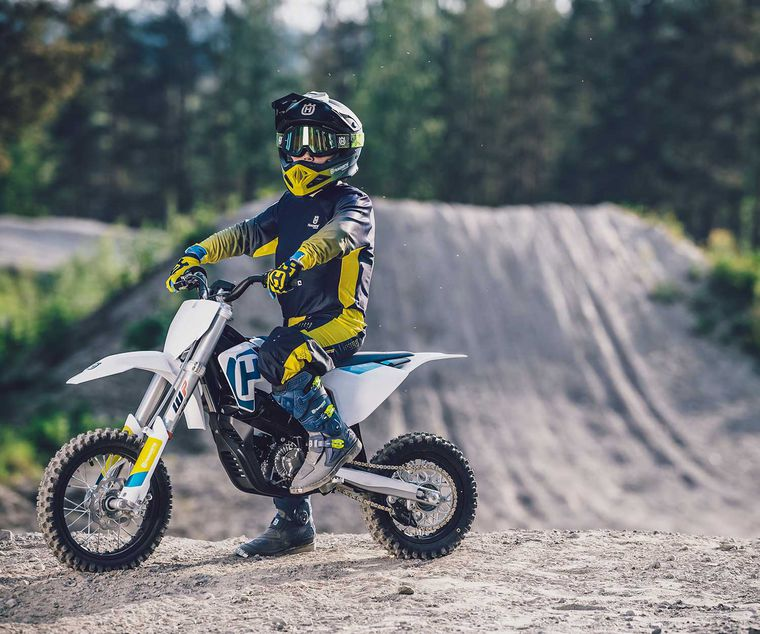 Marvelous 2020 Husqvarna Ee 5 Electric Motorcycle First Look Gamerscity Chair Design For Home Gamerscityorg