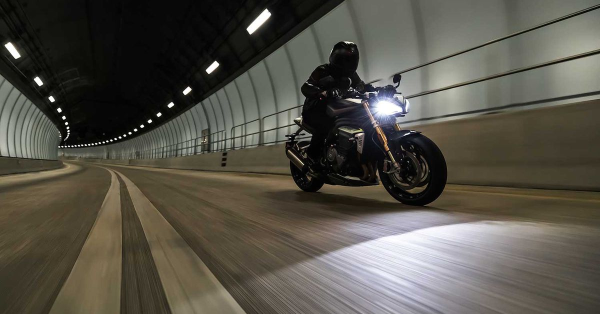 2021 Triumph Speed Triple 1200 RS First Look Preview Photo Gallery