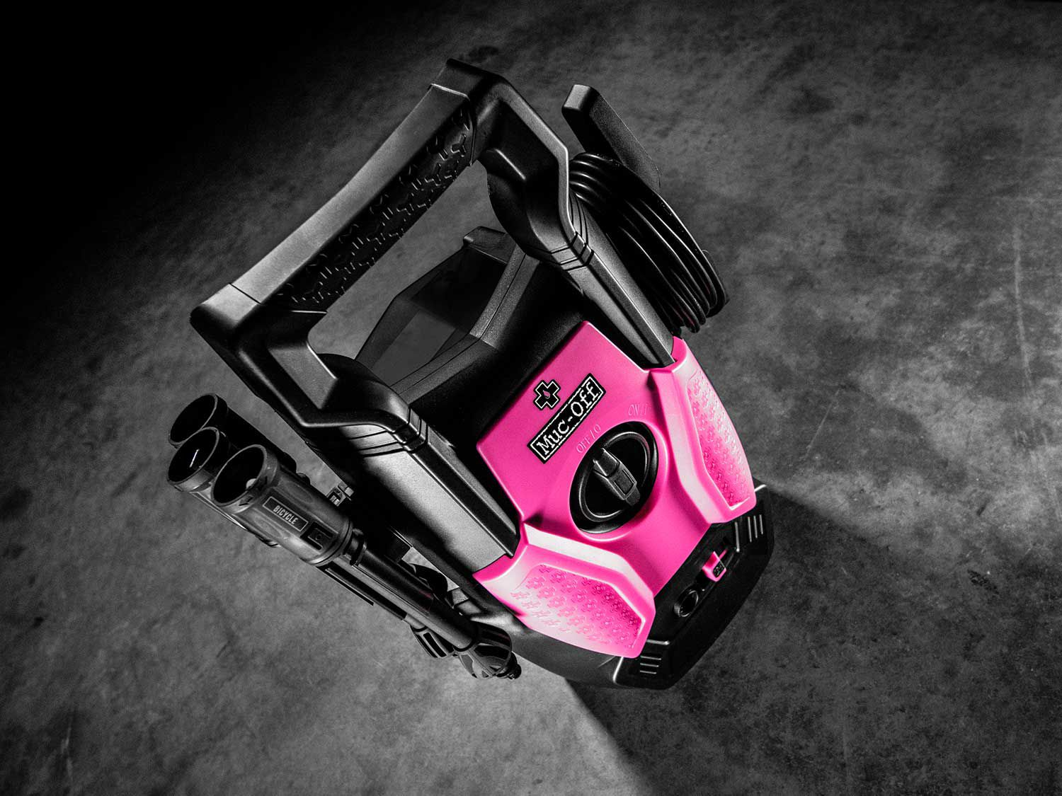 Small, portable, built to take a beating. The Muc-Off Pressure Washer is made to make cleaning your bike easier, wherever you are.