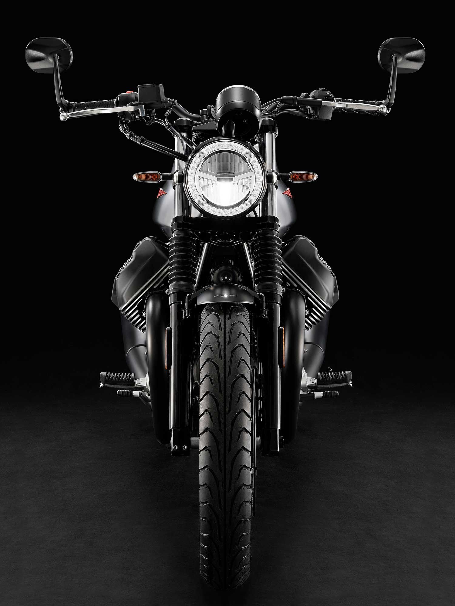 The Stone S, and Moto Guzzi's other new announcement, the Racer 10th Anniversary, use Dunlop Arrowmax Streetsmart tires for better performance.