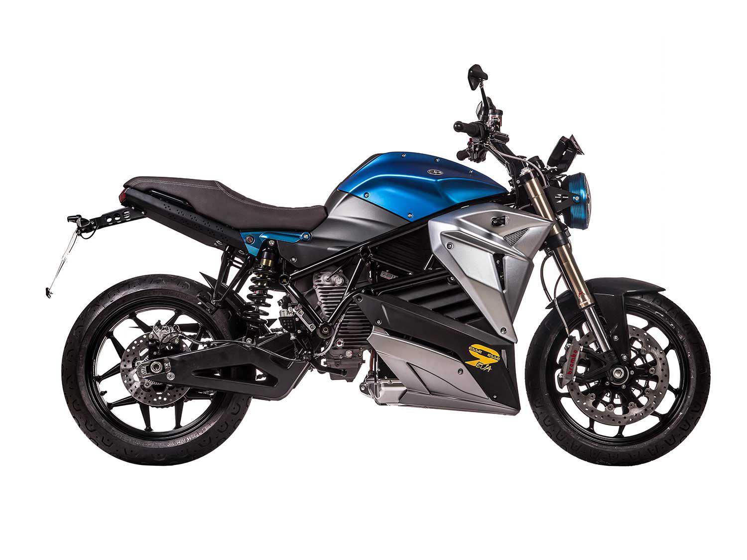 The 2020 Energica EsseEsse9+ represents the classic motorcycle for Energica. It's based on the same platform as the other models but its tall bars and comfortable riding position make it a perfect choice as a commuter.