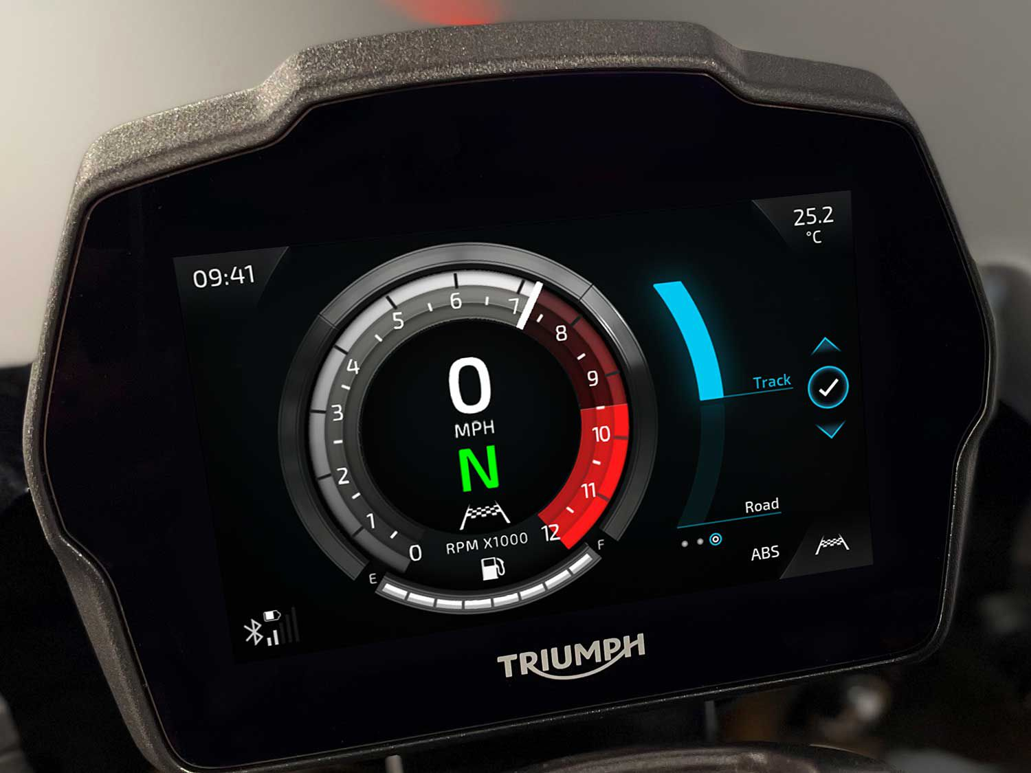 A new 5-inch TFT instrument panel.