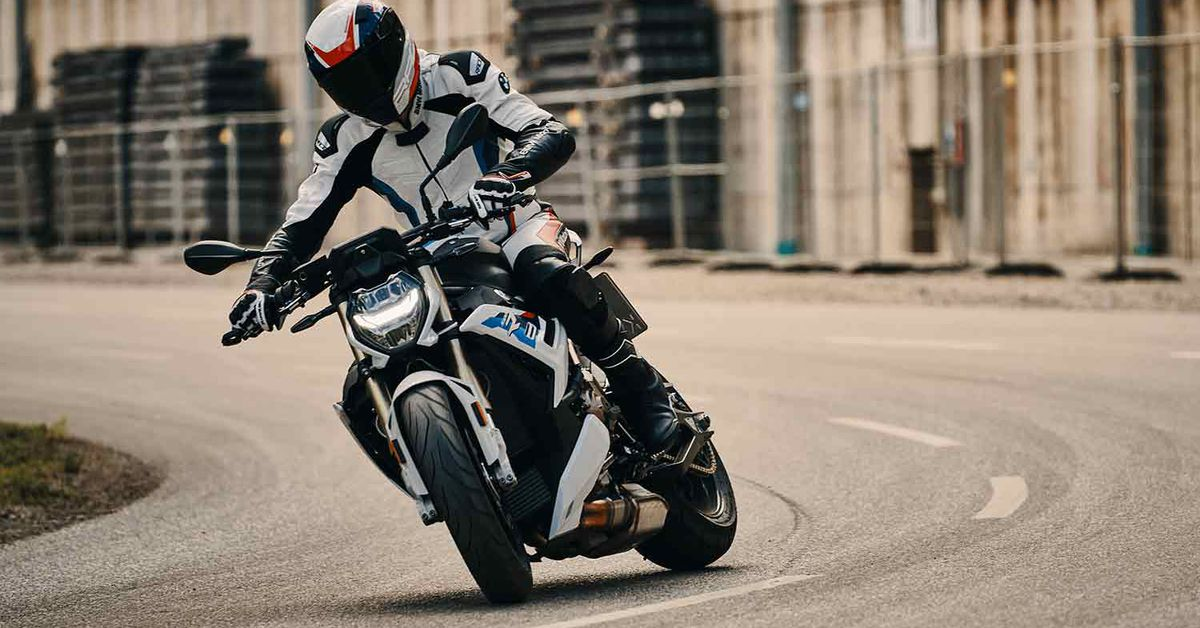 2021 BMW S 1000 R First Look Preview Photo Gallery