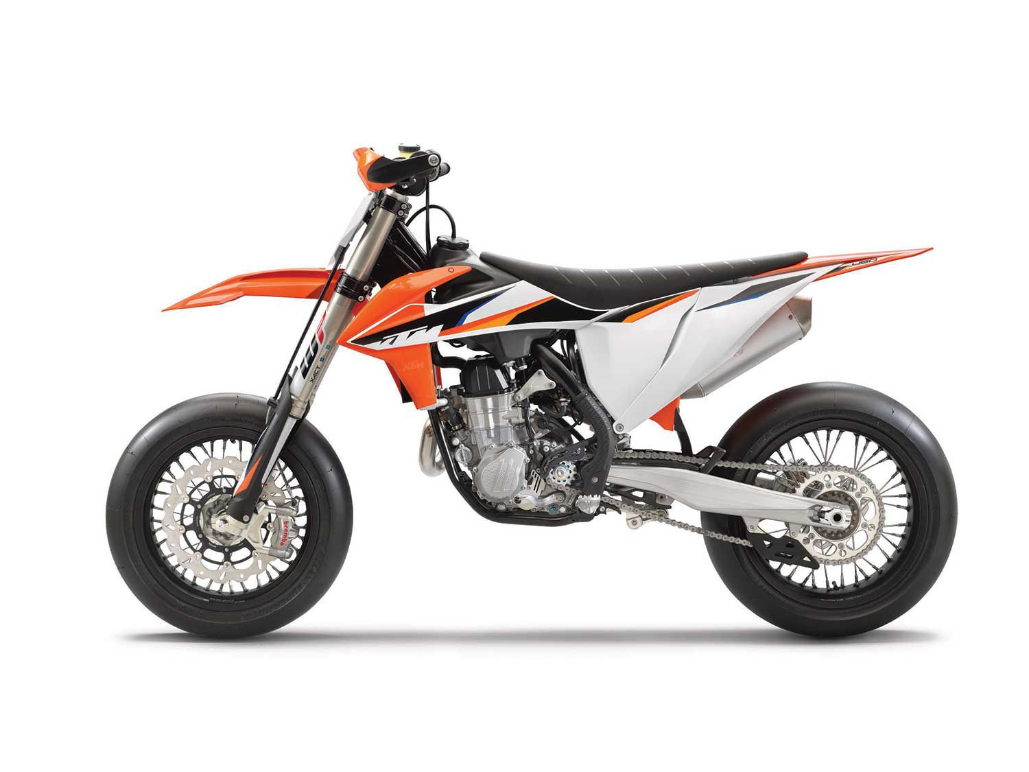 The 2021 KTM 450 SMR gets taller final drive gearing, supermoto-specific suspension and wheels (tubeless), as well as a giant Brembo front brake.