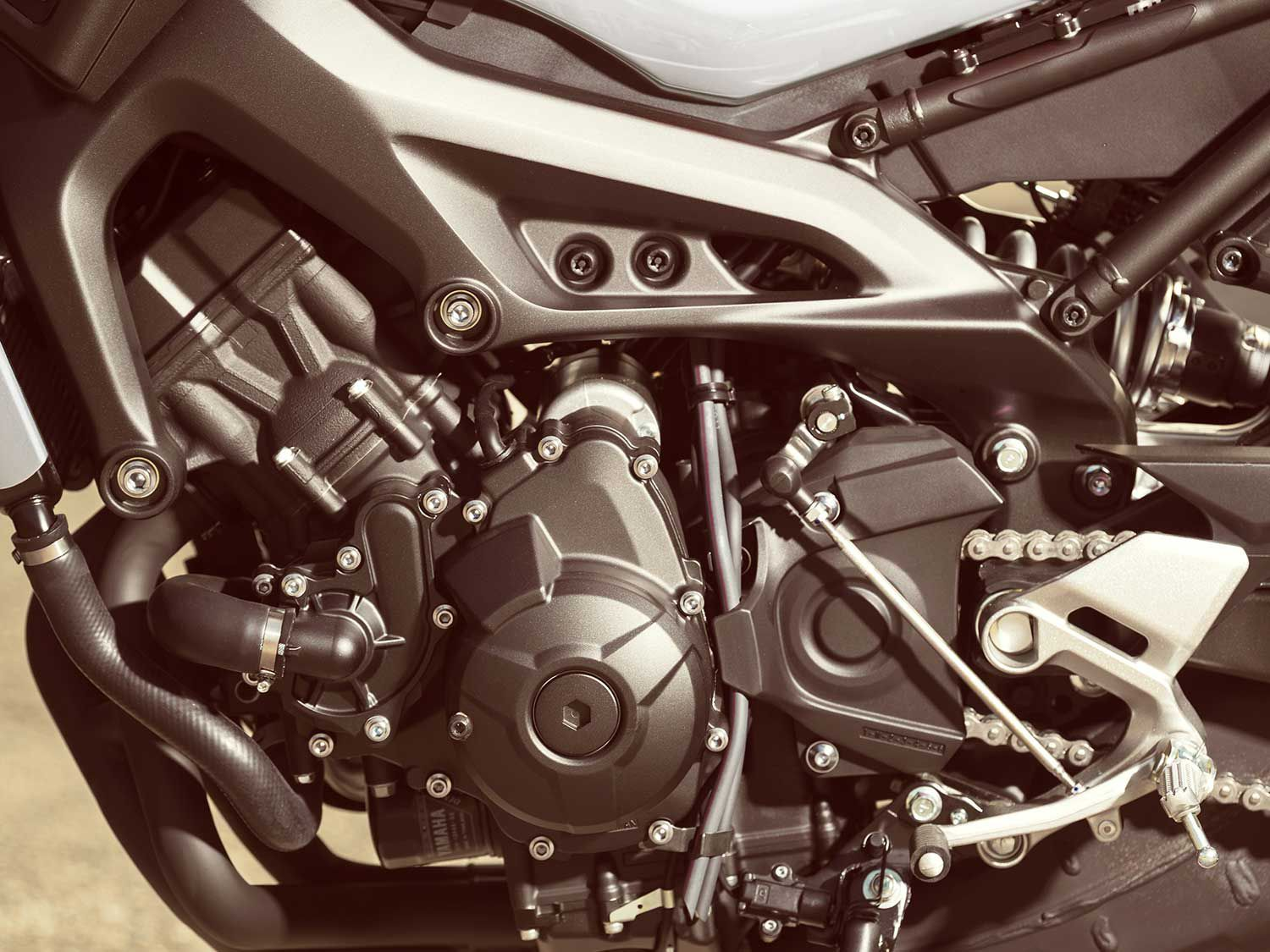 The heart of the XSR900 is its 847cc inline-triple powerplant derived from the FZ-09.