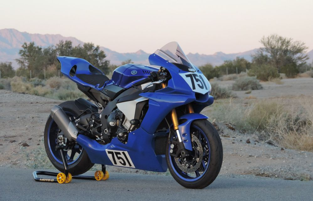 Installation Tips: Yamaha R1 Bodywork From Hotbodies