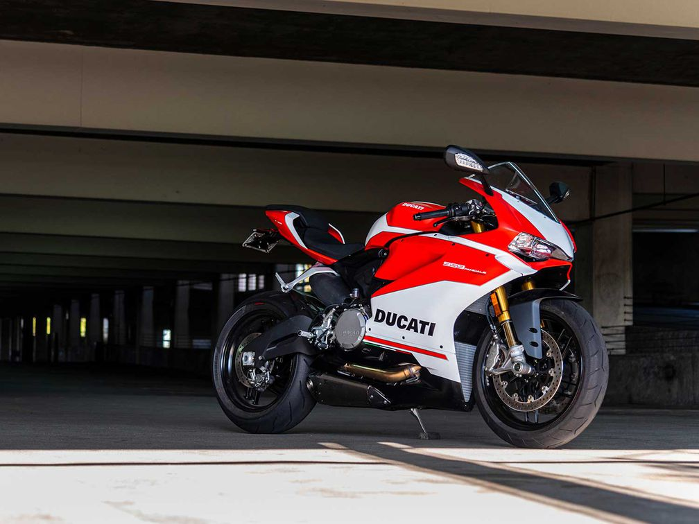 2019 Ducati 959 Panigale Corse First Ride Review | Motorcyclist