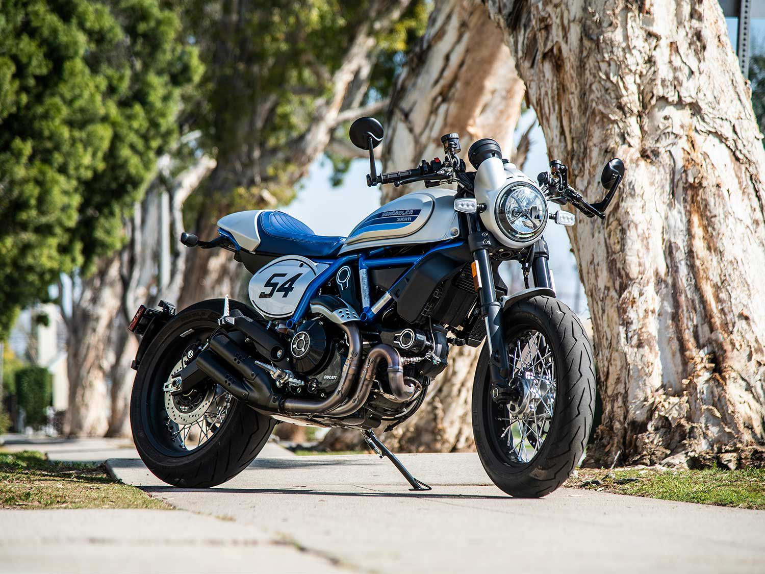 Arguably the coolest looking bike in the Scrambler lineup, the Café looks fast standing still.