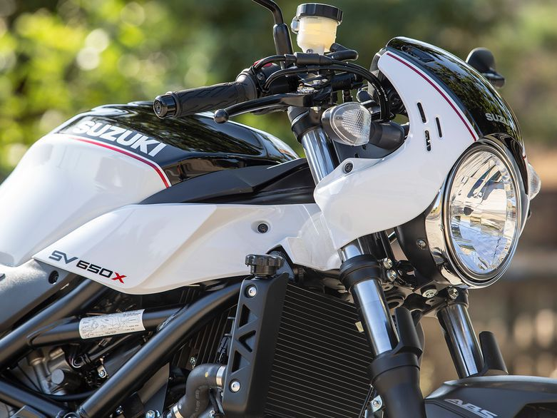In this episode of <em>MC Commute</em> we go for a spin on Suzuki's café-racer-inspired SV650X.