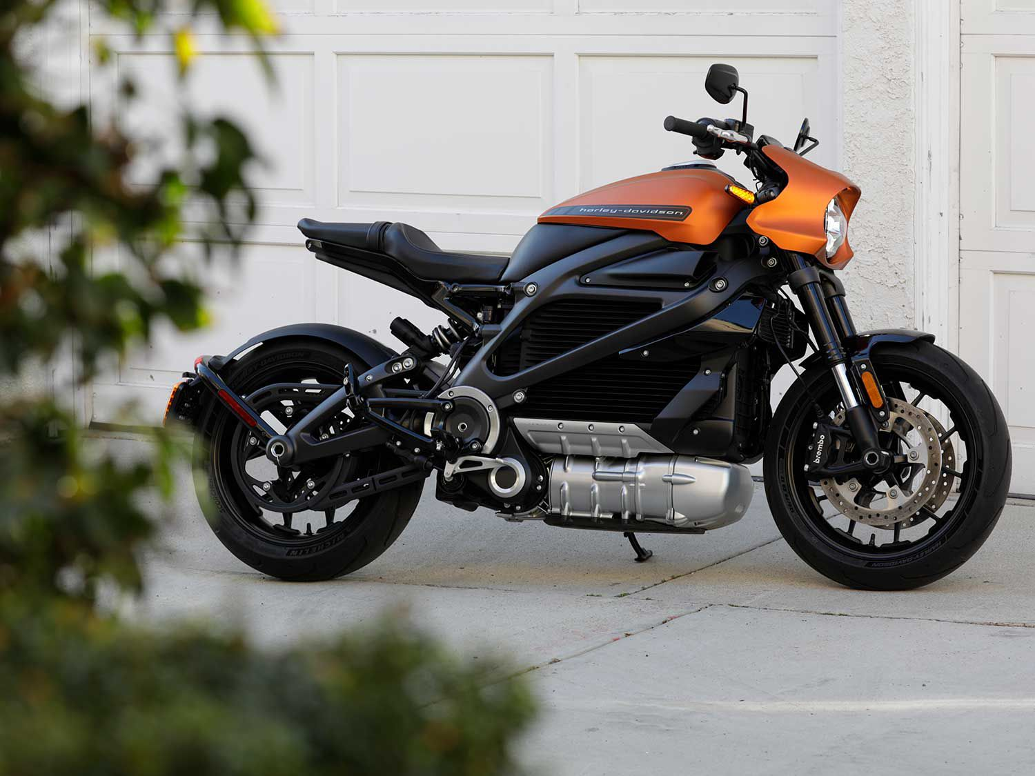 Saddle up as we go for a ride aboard Harley-Davidson's all-electric LiveWire motorcycle.