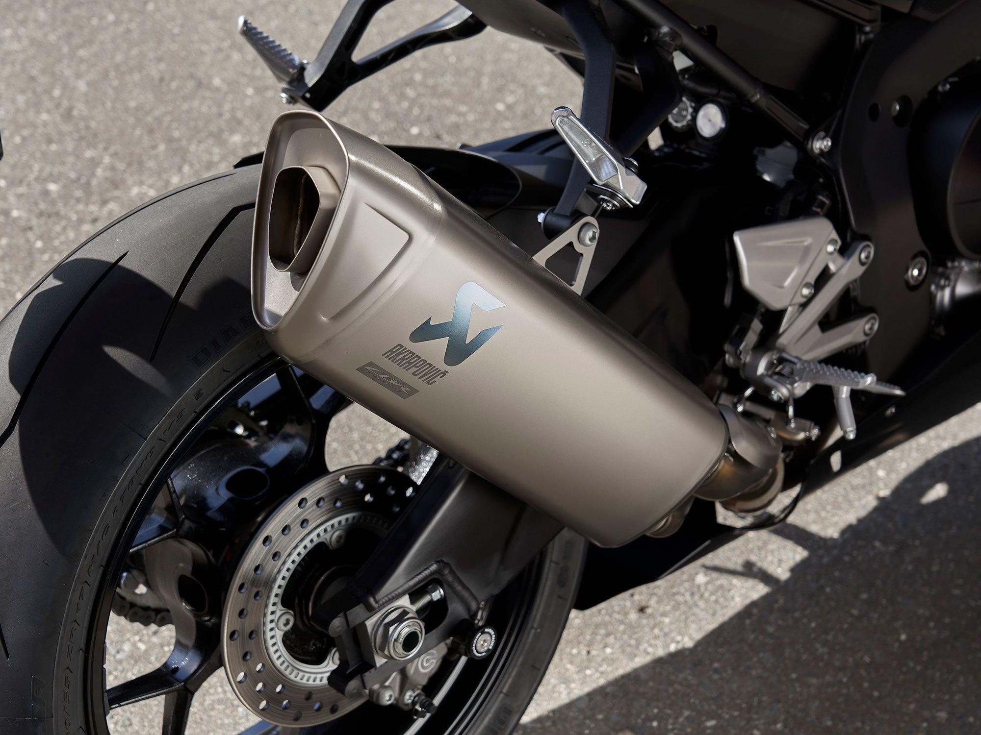 This titanium Akrapovič exhaust adds to the premium feel of the Fireblade SP.