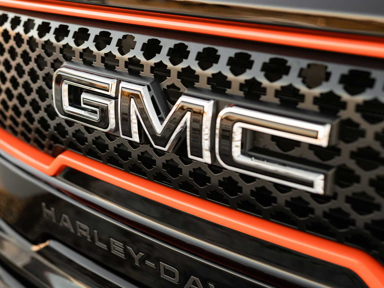 The custom design Harley-Davidson grille features the Bar & Shield logos symmetrically cut out of the grille insert.