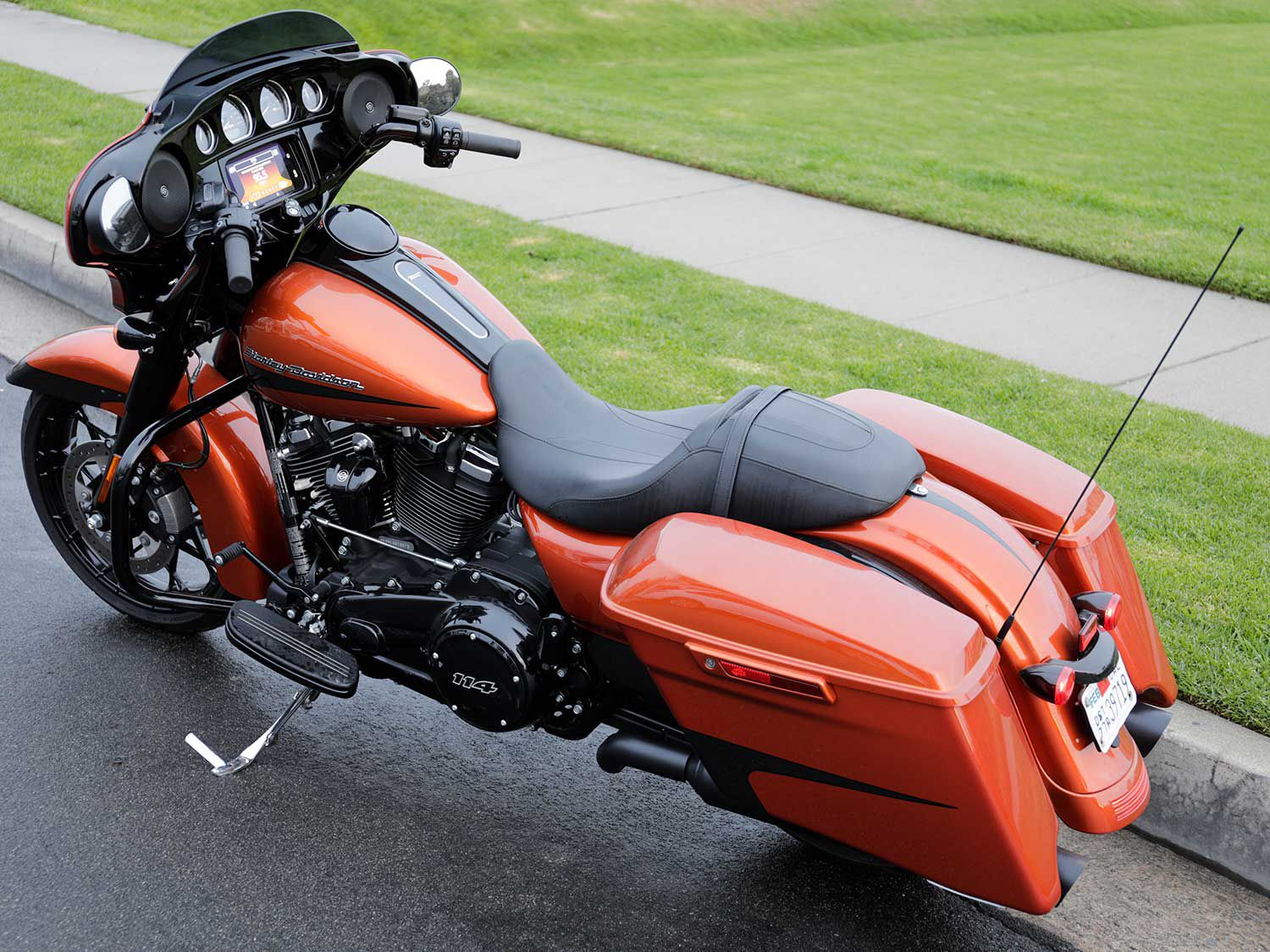 Long and low. The Street Glide Special has a muscular stance that is as comfy as it is tough looking.