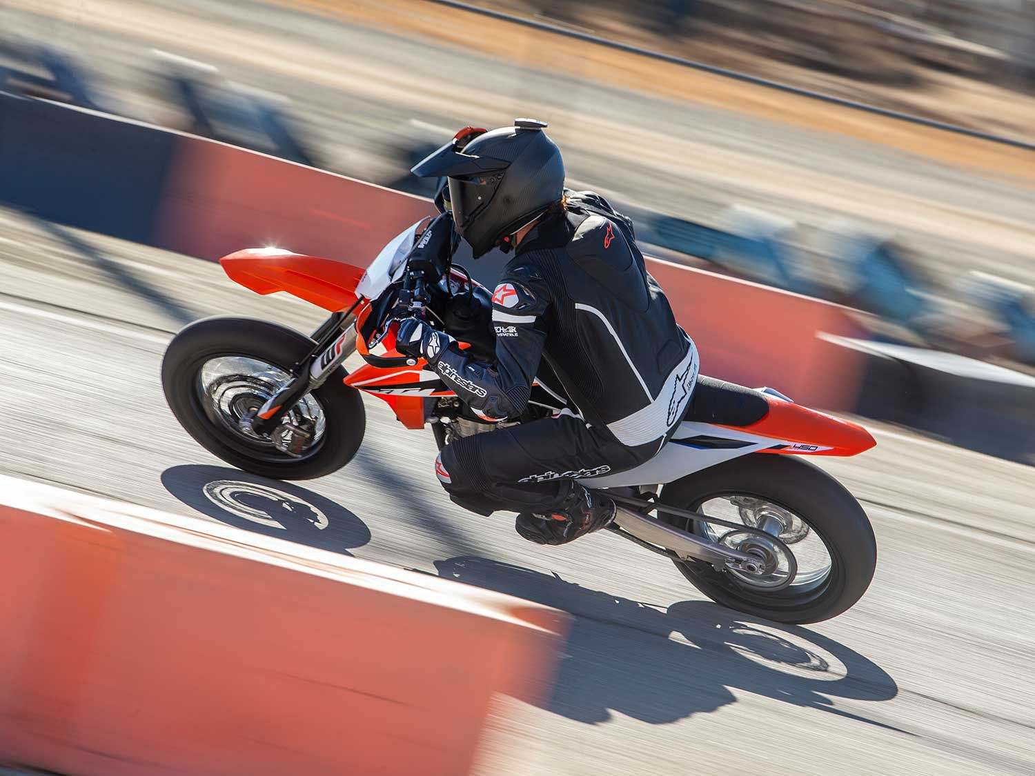 The updated chassis complements the rigidity balance of the Bridgestone Battlax supermoto tires making for a motorcycle with exceptionally high level of grip.