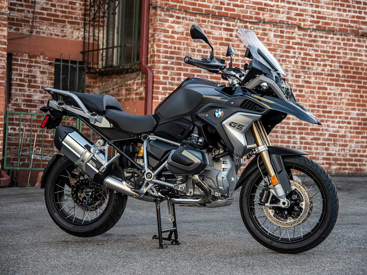 The R 1250 GS may be adventure-ready, but it's also city-capable.