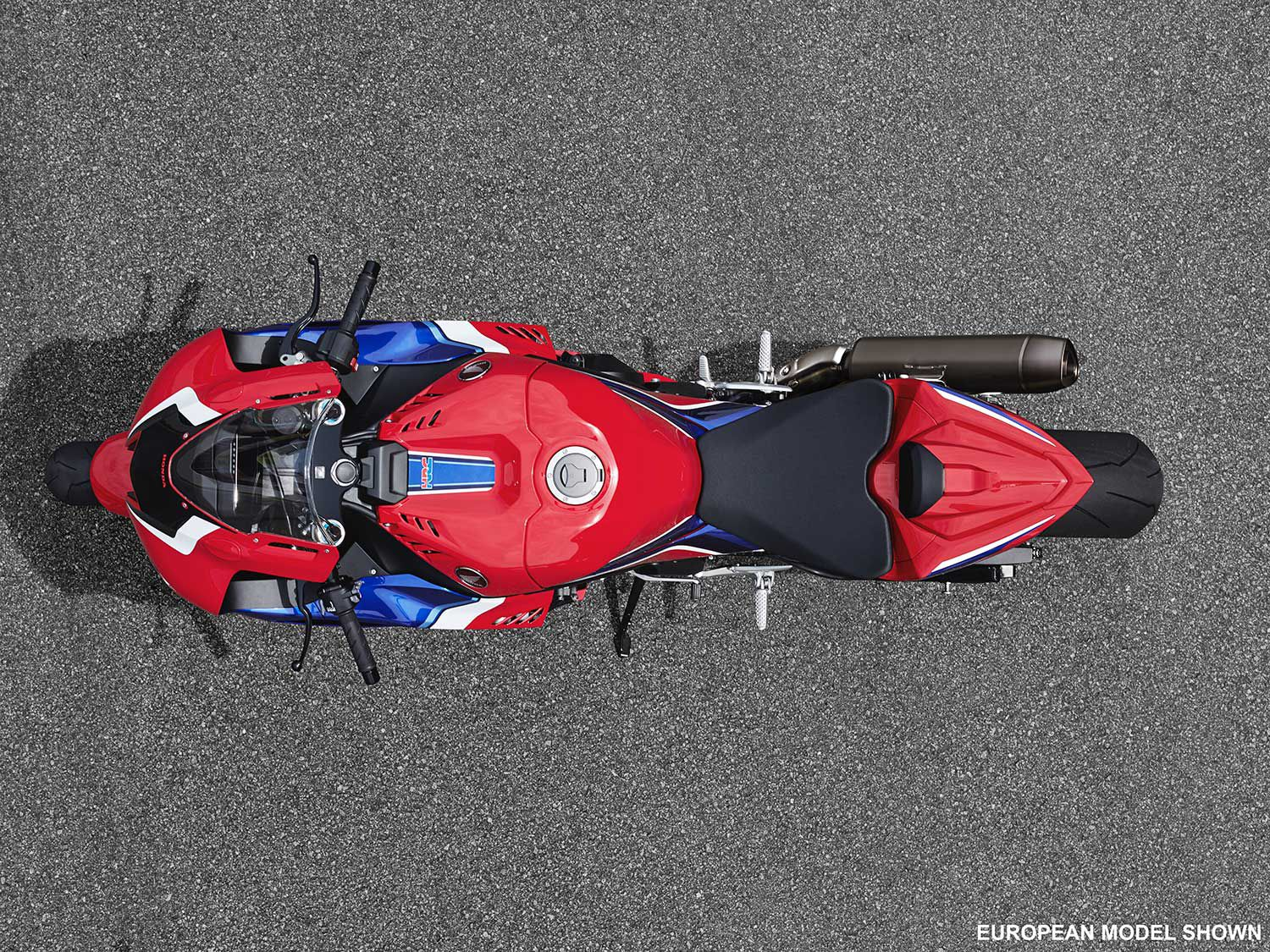 An overhead view of the CBR1000RR-R demonstrates its wide air-piercing profile at the front.