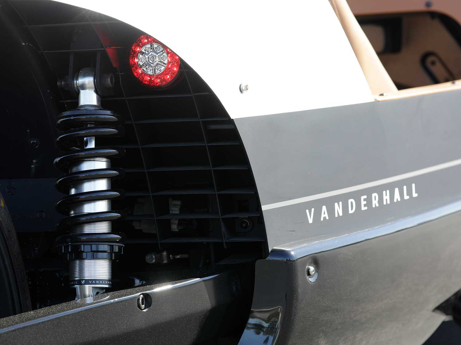 The Venice GT rear suspension mounts directly between the frame and single-sided swingarm.