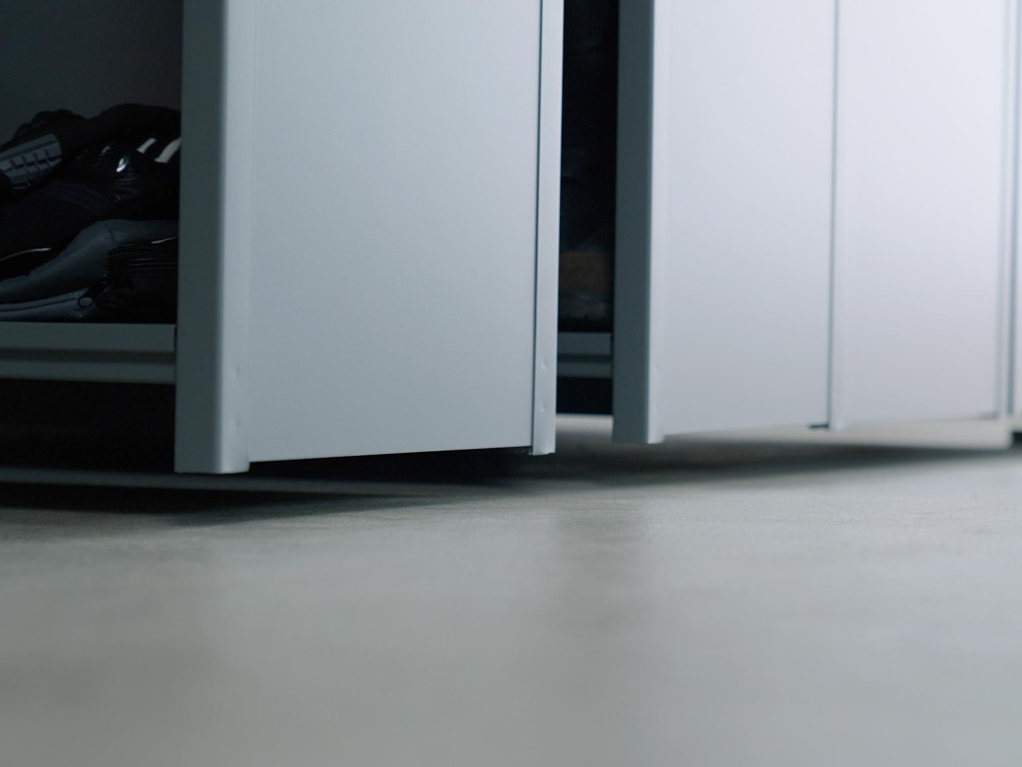 Elke plank draagt zijn gewicht bovenop, wat zorgt voor een strakke uitstraling.