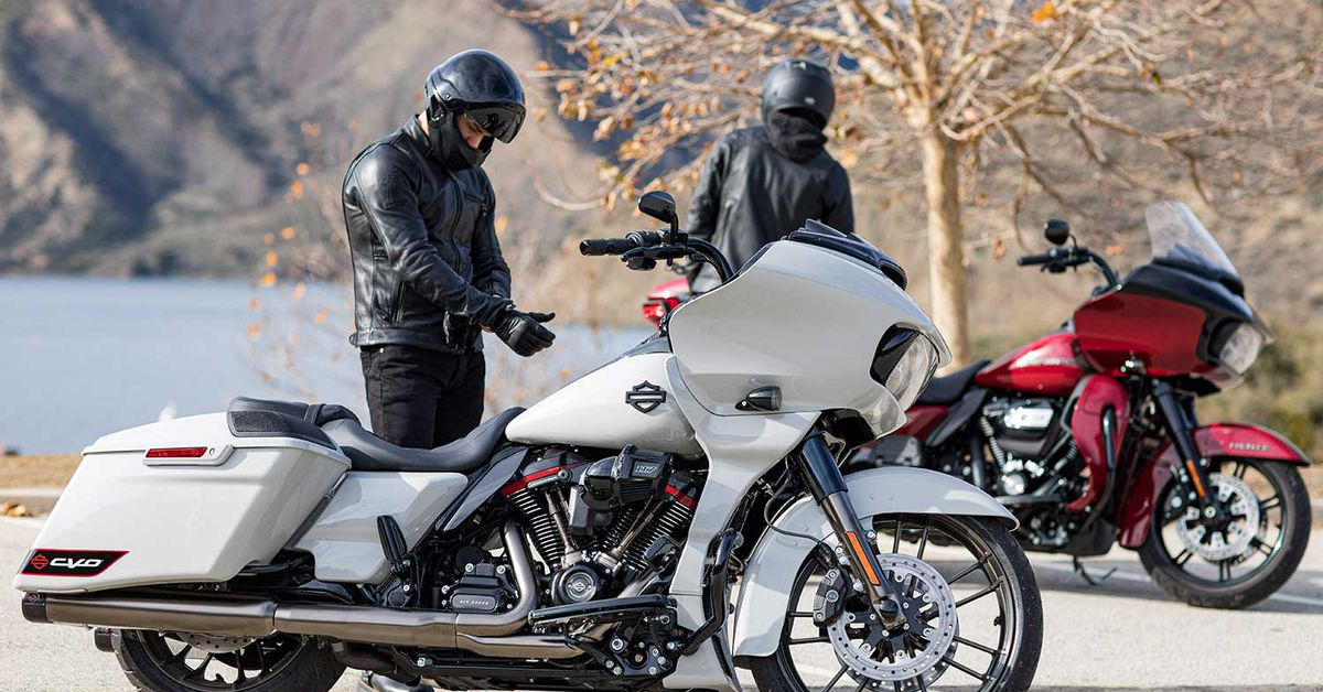 2020 Harley-Davidson CVO Road Glide First Look Preview
