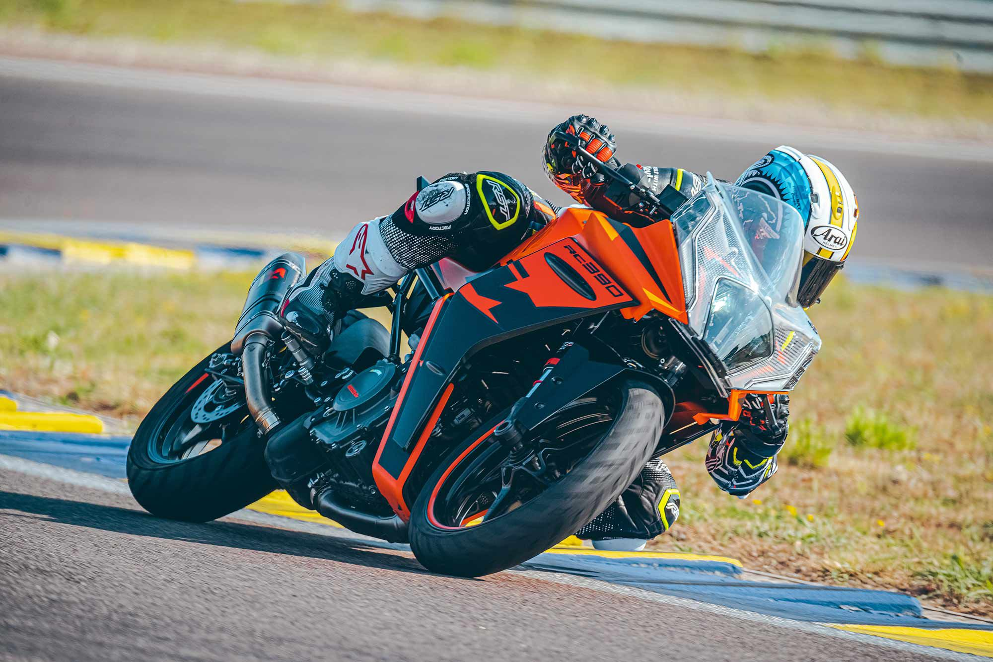 On the track part of this test, KTM fitted the optional Akrapovič muffler, which added a little more pep, but in Euro 5 road trim it's a little deflating.