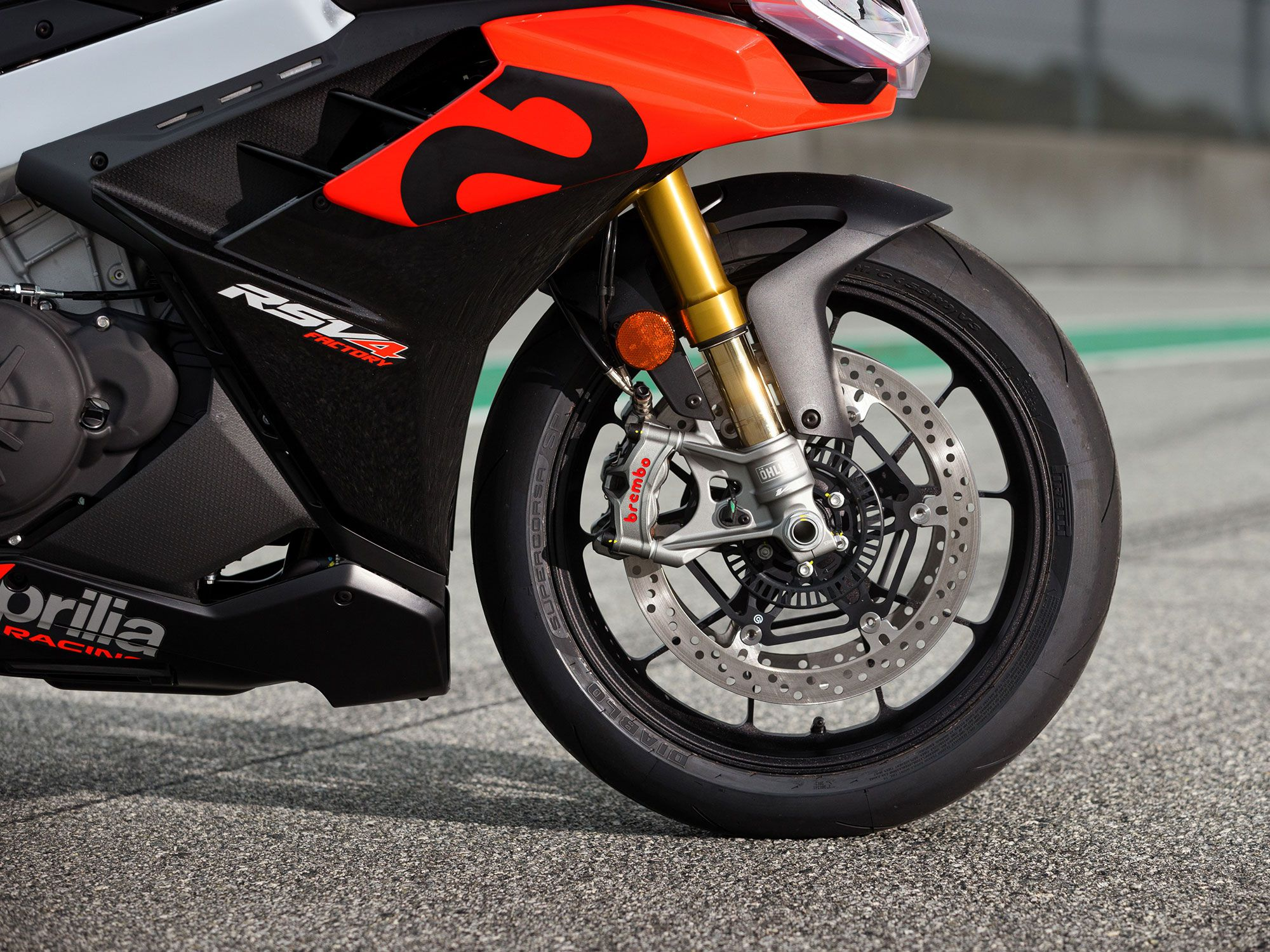 The RSV4 Factory benefits from Öhlins semi-active suspension and forged alloy wheels.