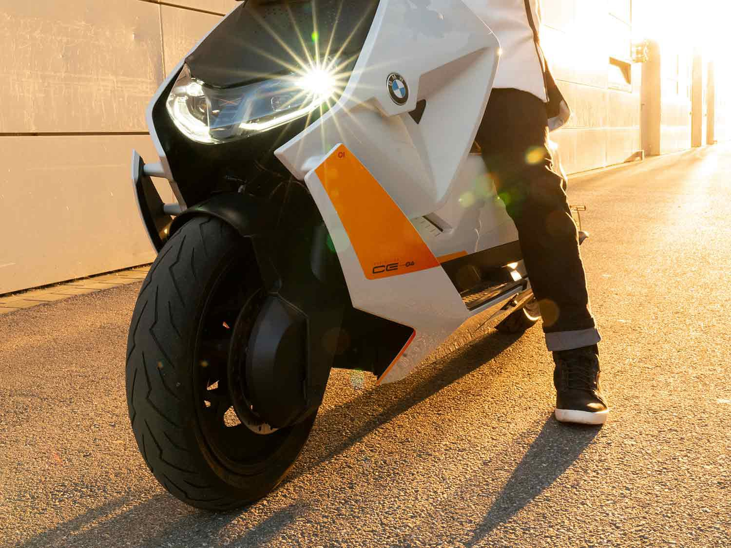 Ergonomics are the name of the game here, with the CE 04 offering easy reach to the pavement and an unfussy relationship between rider and machine.