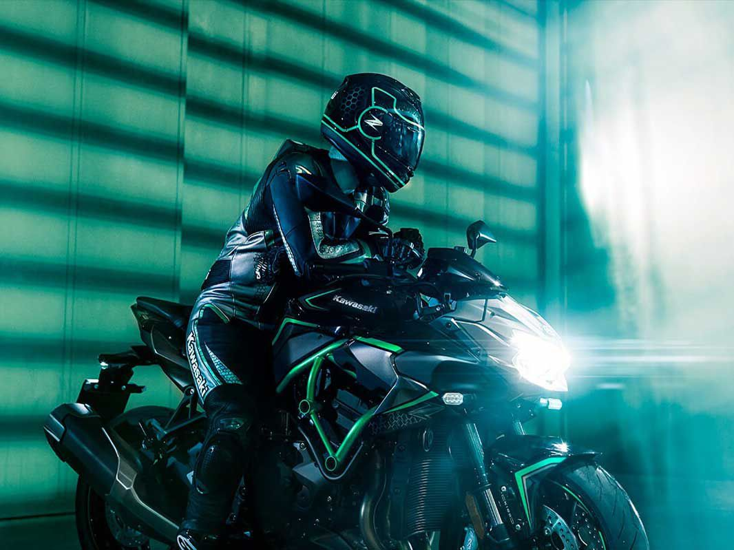Kawasaki's sugomi styling in its meanest form. LED lighting is used front to back.