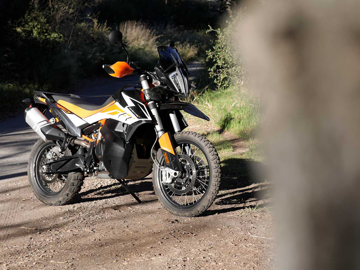 The 2020 KTM 790 Adventure R lives up to its moniker as we find out in this review.