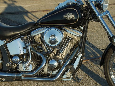 first-year h-d evo engines were a huge improvement over the iron shovelhead  they replaced  in '84, you could still get a kickstarter with your  four-speed