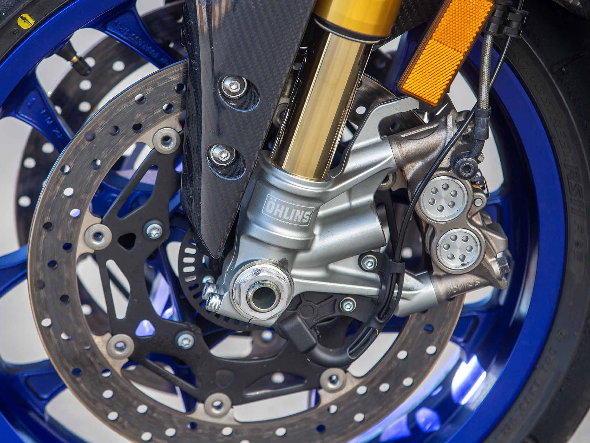 The '21 YZF-R1M employs Ohlins latest and greatest semi-active electronic suspension with a gas-charged fork. The suspension offers versatile performance with a few pushes of a button.