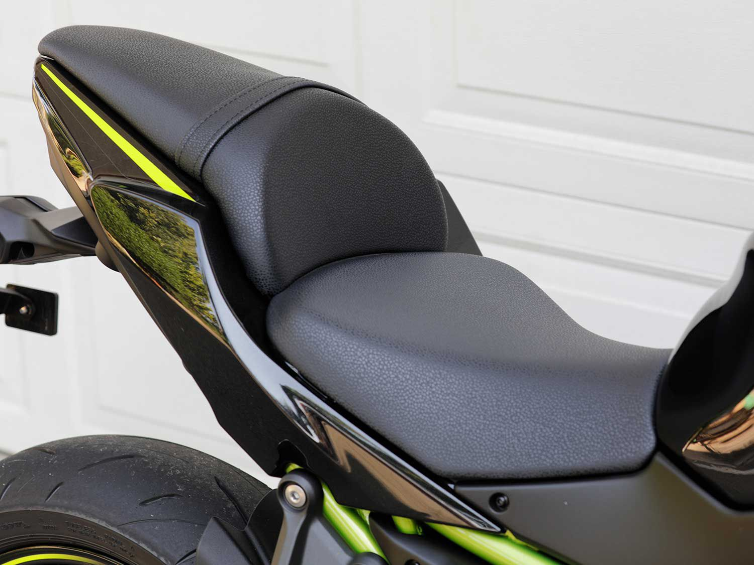 The rider seat is comfortable and well supported. However the seating position is cramped for a six-foot tall rider.