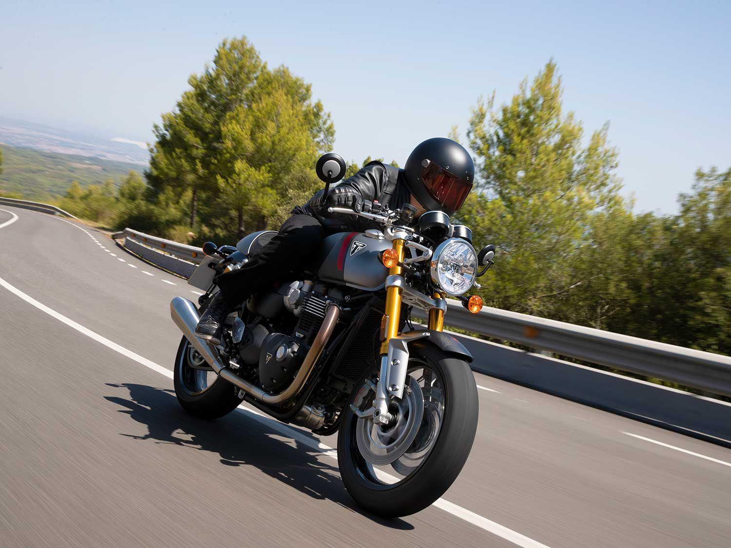 The 2020 Triumph Thruxton RS brings power and performance to a new level.