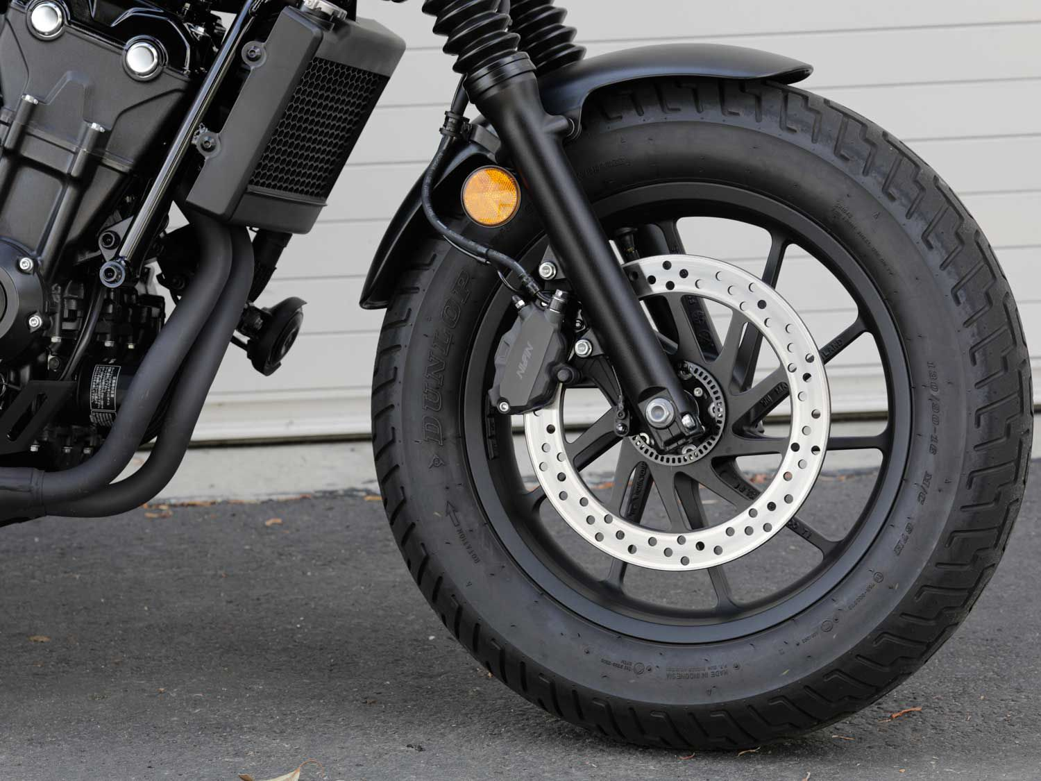 The Rebel 500 rolls on 16-inch cast alloy wheels. Sturdy hydraulic disc brakes, with fixed, always-on ABS do a fine job of slowing down the 414-pound Rebel.