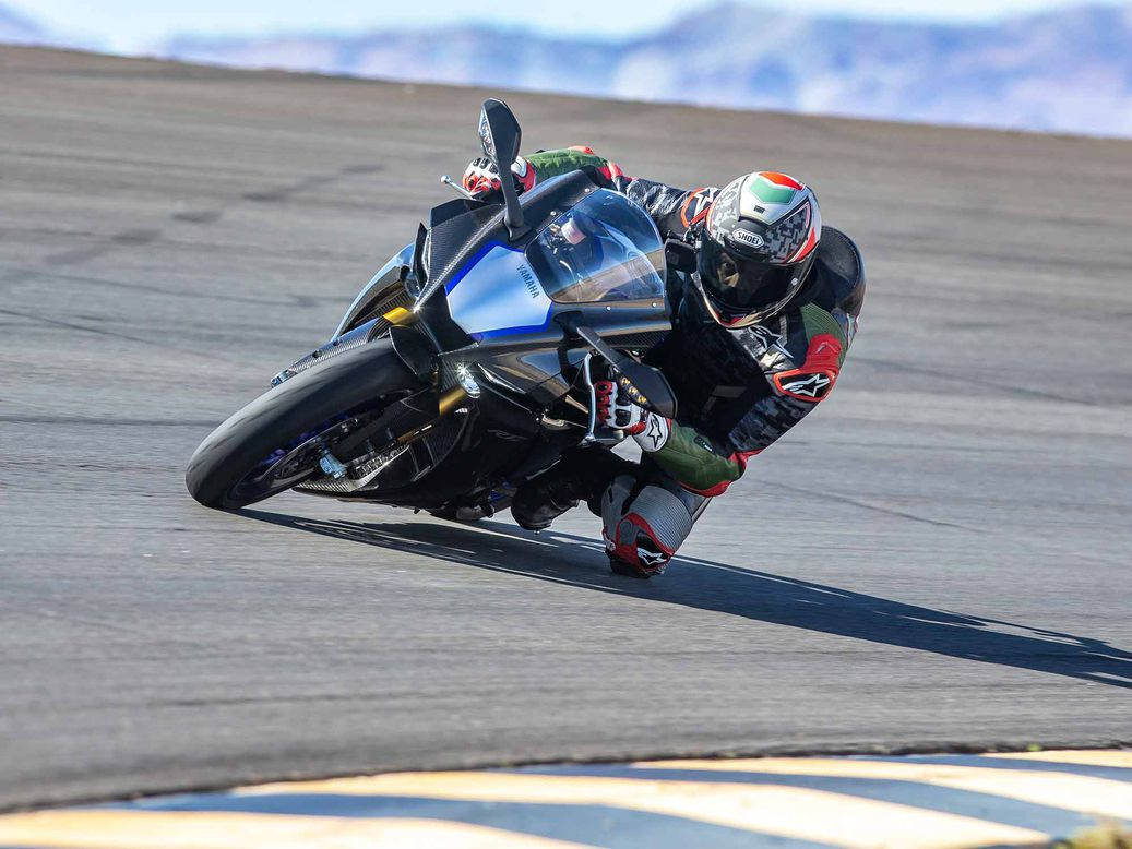 2021 Yamaha YZF-R1M  Review Gallery