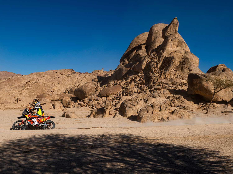 Matthias Walkner (Austria) aboard the Red Bull Factory KTM during Stage 11 of Dakar 2020.