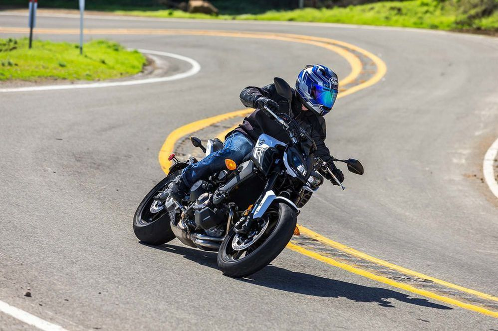 The Best Commuter Mods for the Yamaha FZ-09 Motorcycle